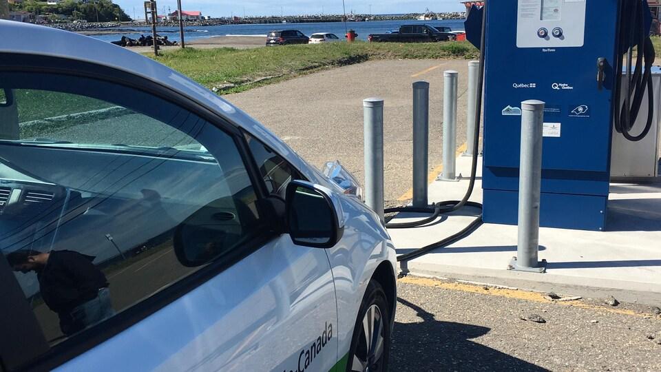 Borne de recharge rapide à Mont-Louis en Gaspésie