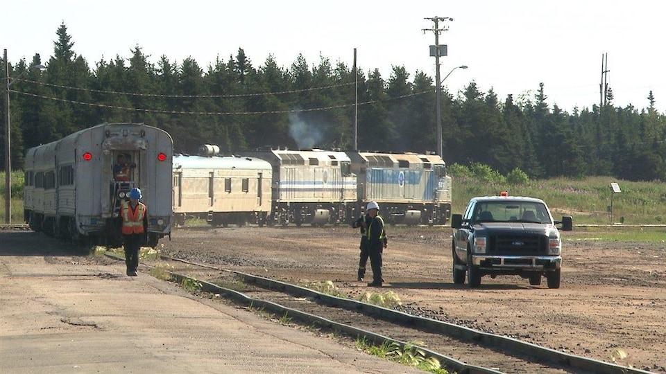 Le train a pour vocation de maintenir un service de passagers en direction de Schefferville.