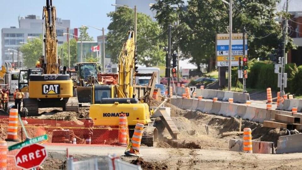 Des travaux de réfection sur la route de l'Église à Québec en août 2019