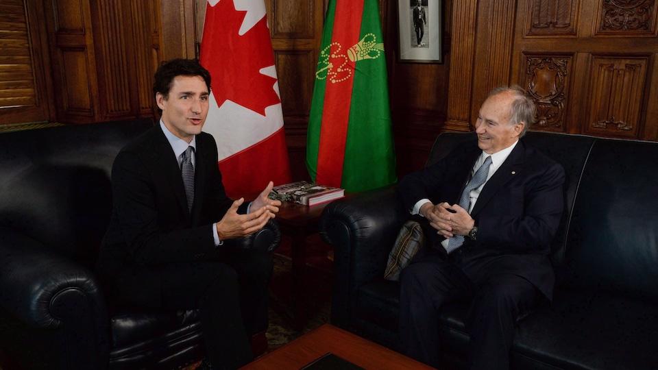 Le premier ministre Trudeau a reçu l'Aga Khan au Parlement canadien le 17 mai 2016.