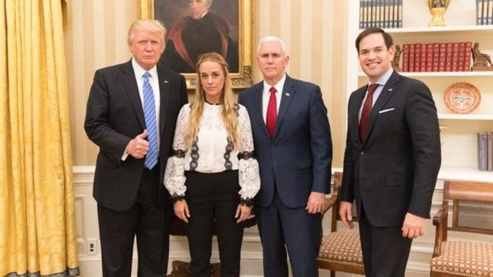 Donald Trump, Lilian Tintori, Mike Pence et Marco Rubio.