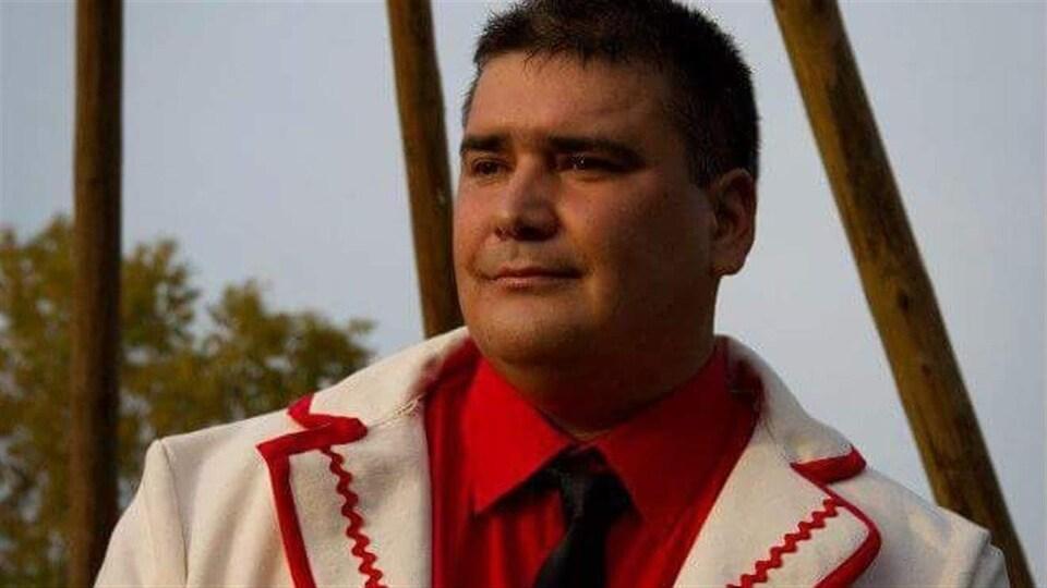 Tshani Ambroise est le chef de la communauté innue de Matimekush-Lac John.