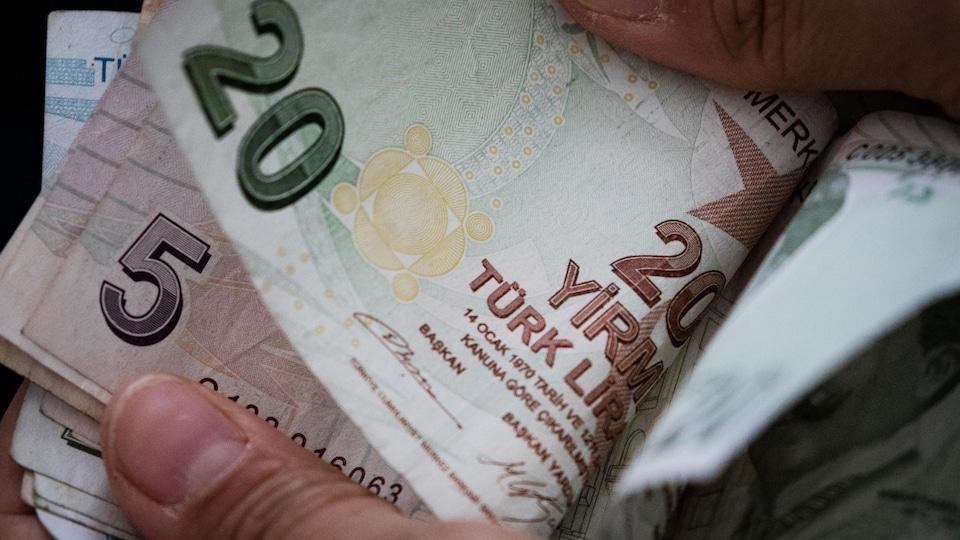 Des billets de banques turcs.