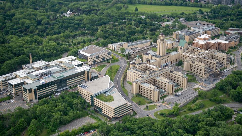 Vue aérienne de l'Université de Montréal.