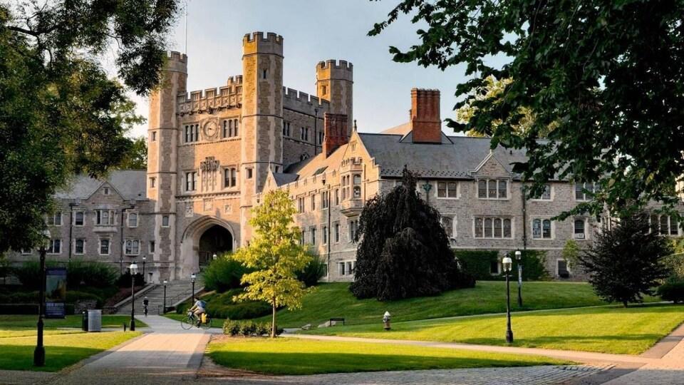 L'Université de Princeton, photographiée en été.