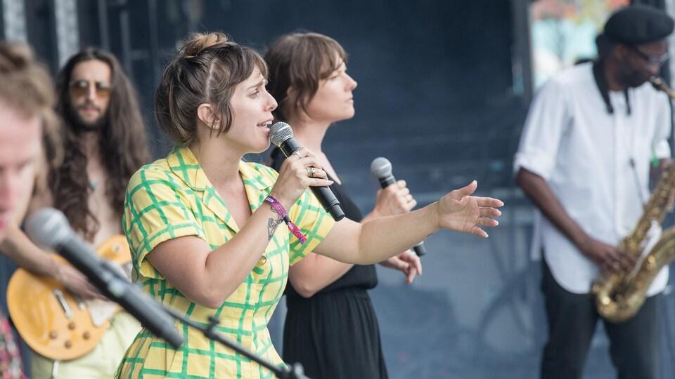 Le groupe U.S. Girls, en concert à Osheaga