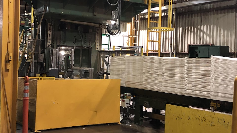 L'intérieur d'une usine.
