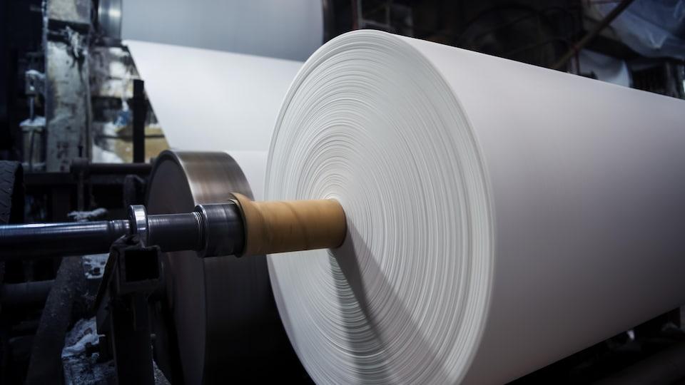 Un appareillage dans une usine de pâtes et papiers