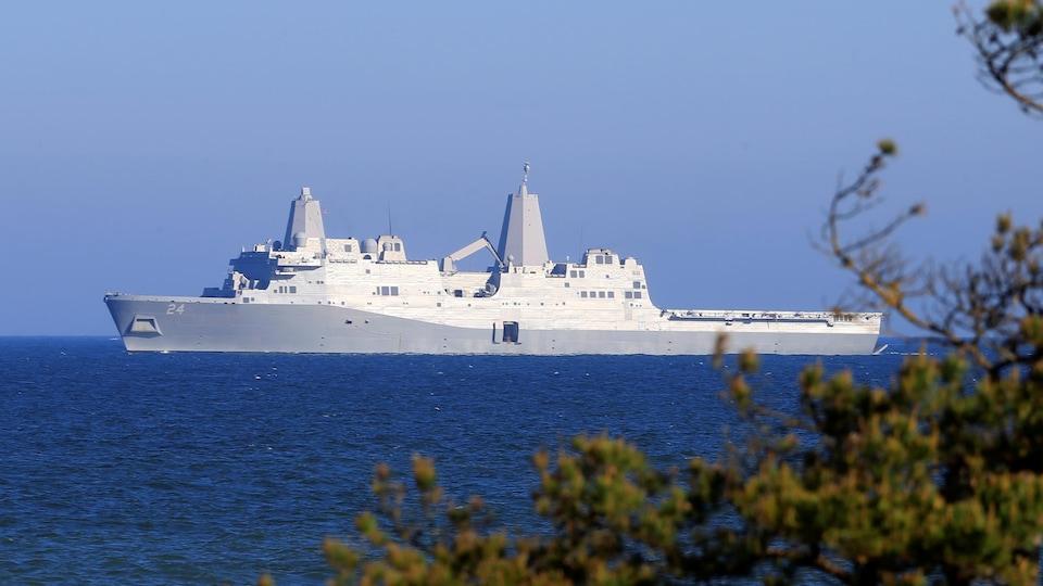 Le navire de guerre USS Arlington