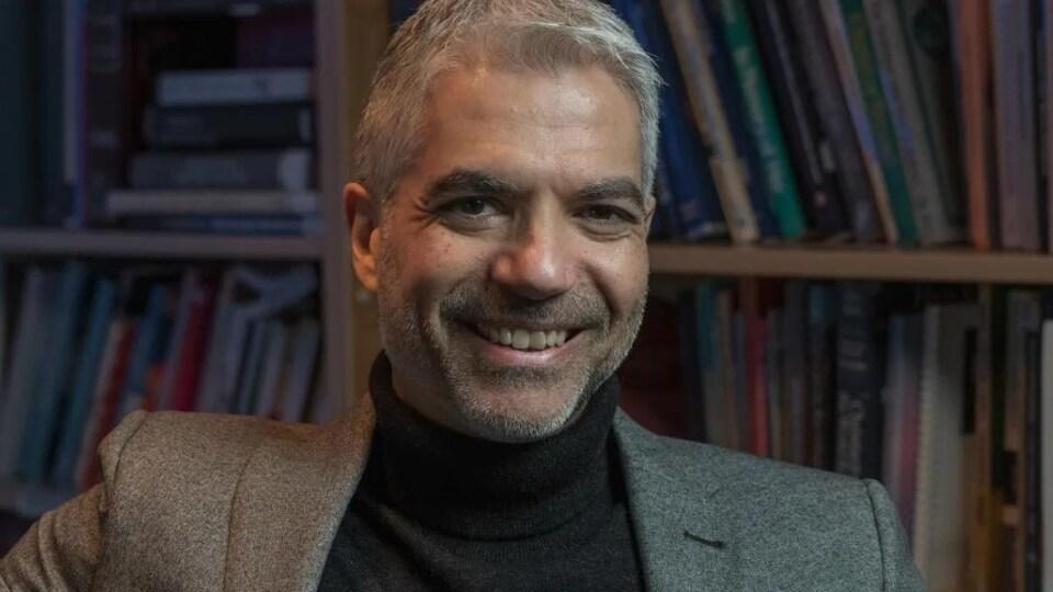 Paul Bramadat sourit.