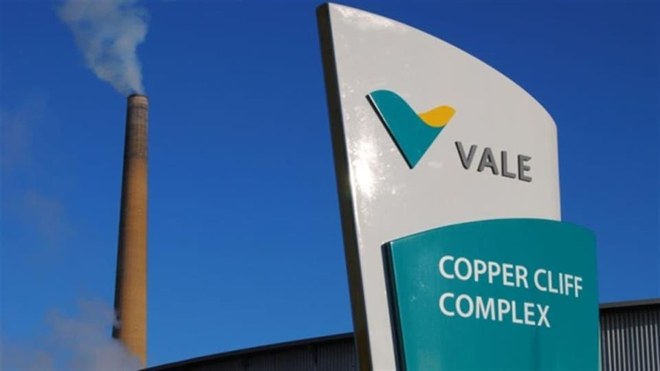 Photo des installations de la minière Vale à Copper Cliff, dans le Grand Sudbury