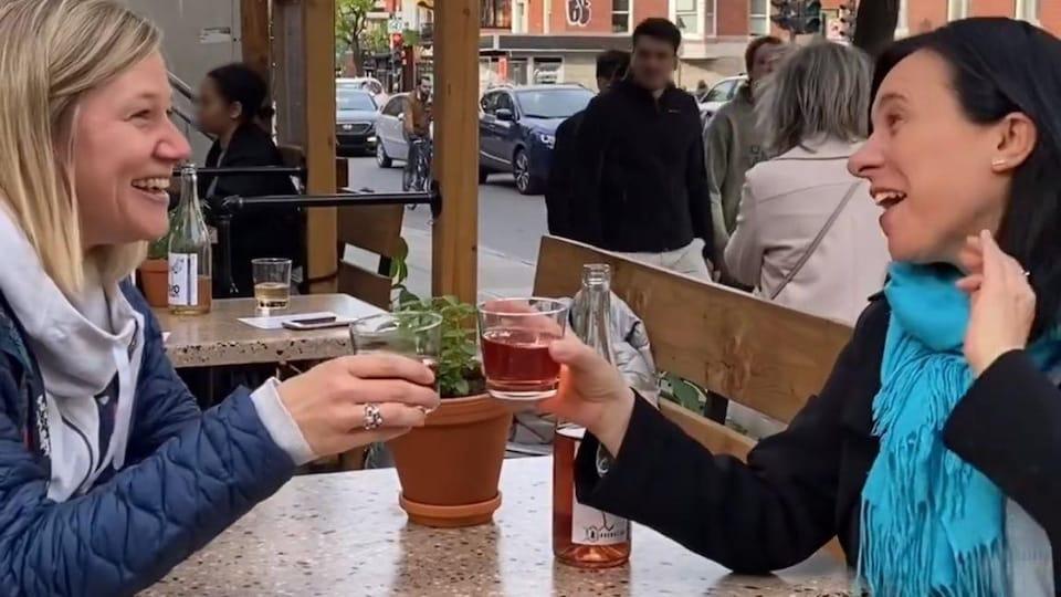 Sur son compte Instagram, Valérie Plante a publié une vidéo où on la voit avec une seule personne à table.