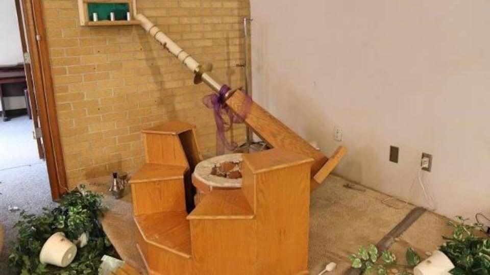 Dommages causés à l'Église.