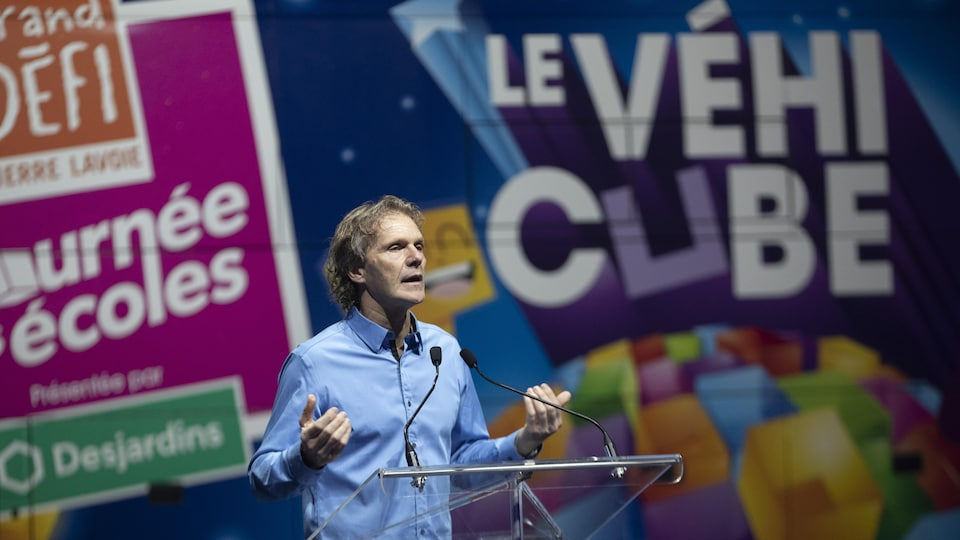 Pierre Lavoie lors de la conférence de presse.