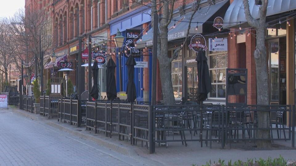 Victoria Row est réservé aux piétons du 1er mai au 31 octobre.