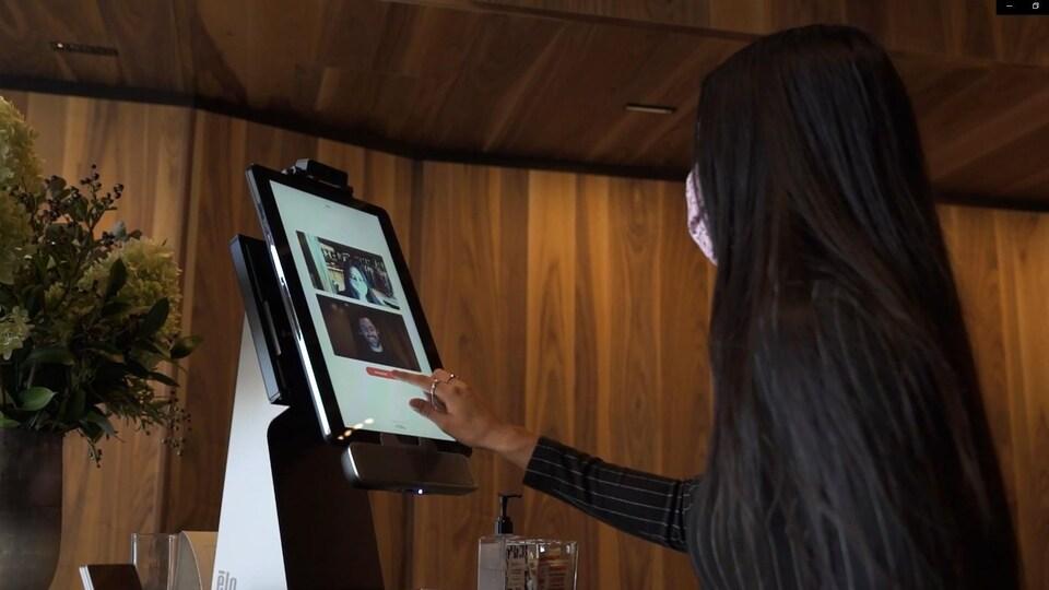 L'Hôtel Le Germain à Montréal a accueilli un projet pilote de Virtual Front Desk pendant quelques semaines en 2020.