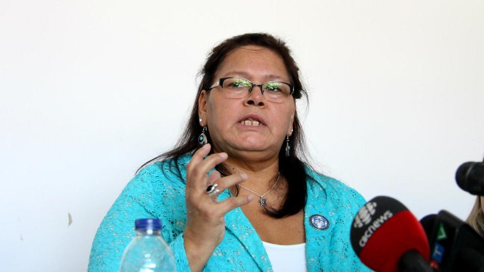 Viviane Michel, présidente Femmes autochtones Québec, en point de presse à Montréal le 19 mars 2018