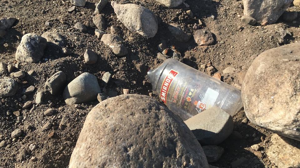 Un bouteille de vodka.