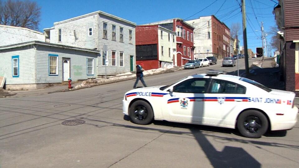 Une voiture de la police de Saint-Jean, au Nouveau-Brunswick.