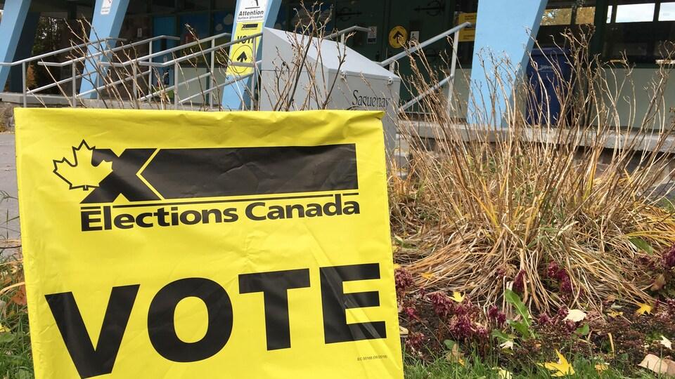 Panneau: Élections Canada.