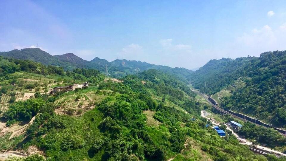 Des montagnes, en Chine