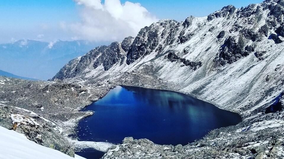 Le lac Gosaikunda, au Népal