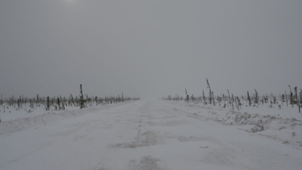 route de glace Wetum Road sur la côte ouest de la Baie James