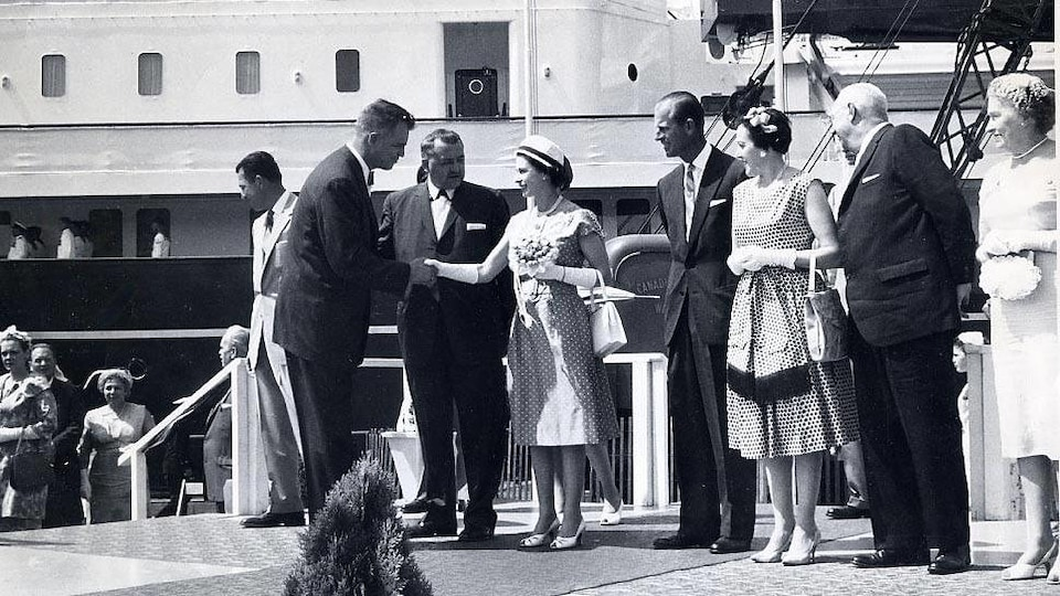Visite de la reine Élisabeth et du prince Philip à Windsor en 1959.