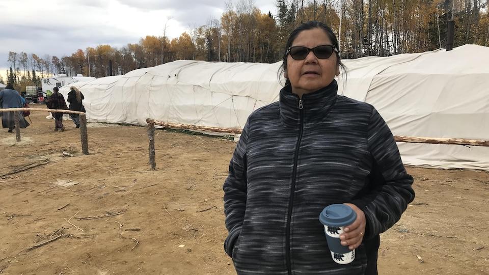 Winnie Wabanonik est travailleuse en santé communautaire à Lac-Simon.