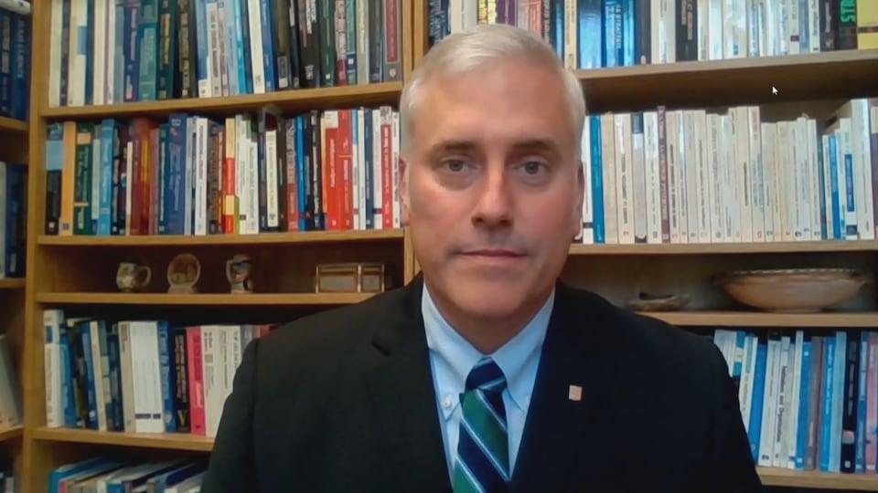Le professeur Yan Cimon de l'Université Laval