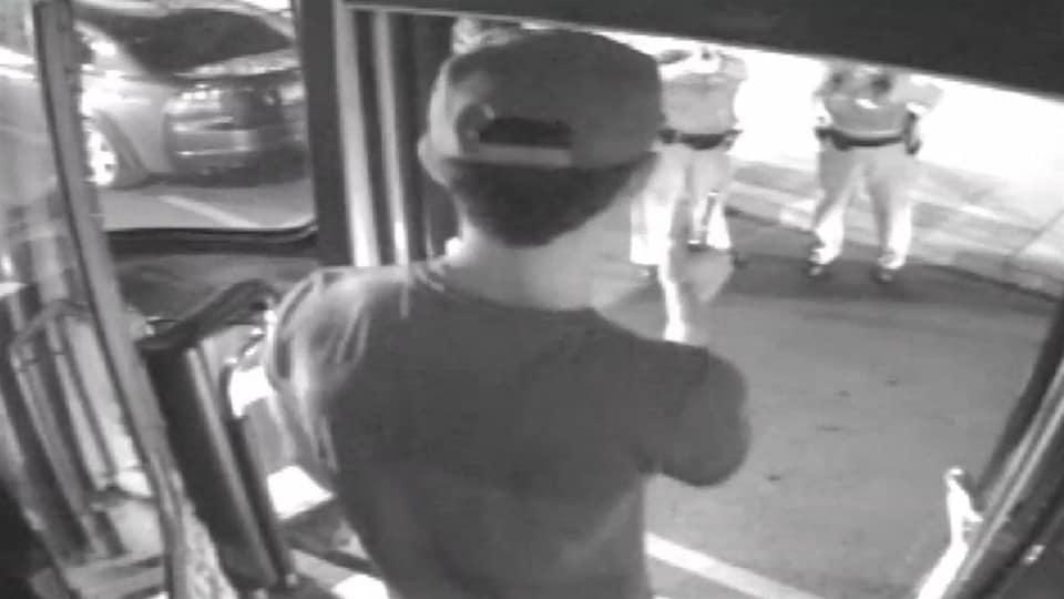 Image d'une vidéo de surveillance du tramway dans lequel se trouvait Sammy Yatim avant d'être abattu par la police.