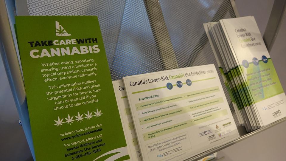 feuillet d'informations sur l'usage sécuritaire du cannabis en anglais