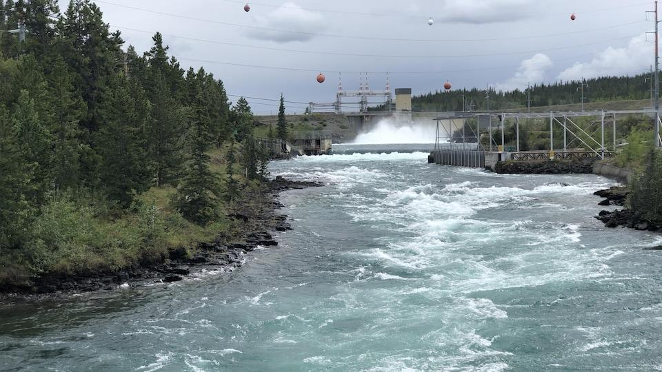 Une centrale hydroélectrique.