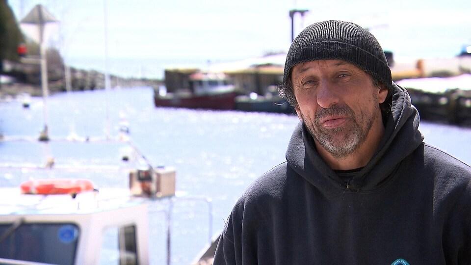 Yves Anglehart est pêcheur de homard à Port-Daniel-Gascons