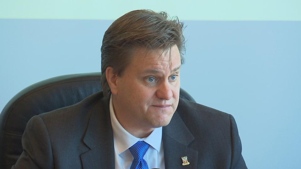 Yves Montigny veut attirer de nouvelles entreprises à Baie-Comeau pour faire augmenter les revenus de la Ville.
