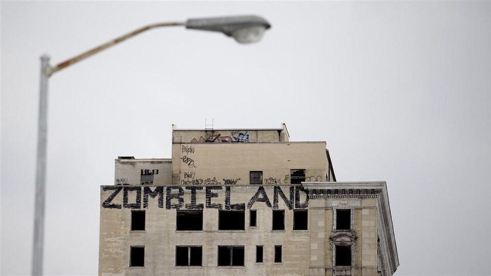 Un graffiti montrant zombieland, ou terre des zombies à Détroit au Michigan lors de sa faillite en 2013.