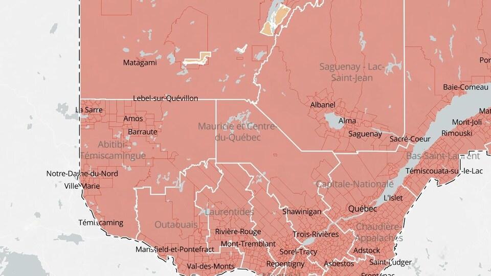La carte indique que l'Abitibi-Témiscamingue est en zone rouge comme les autres régions du Québec sauf exceptions.