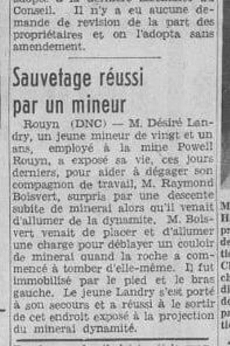 Une coupure de journal avec un article portant le titre «Sauvetage réussi par un mineur».