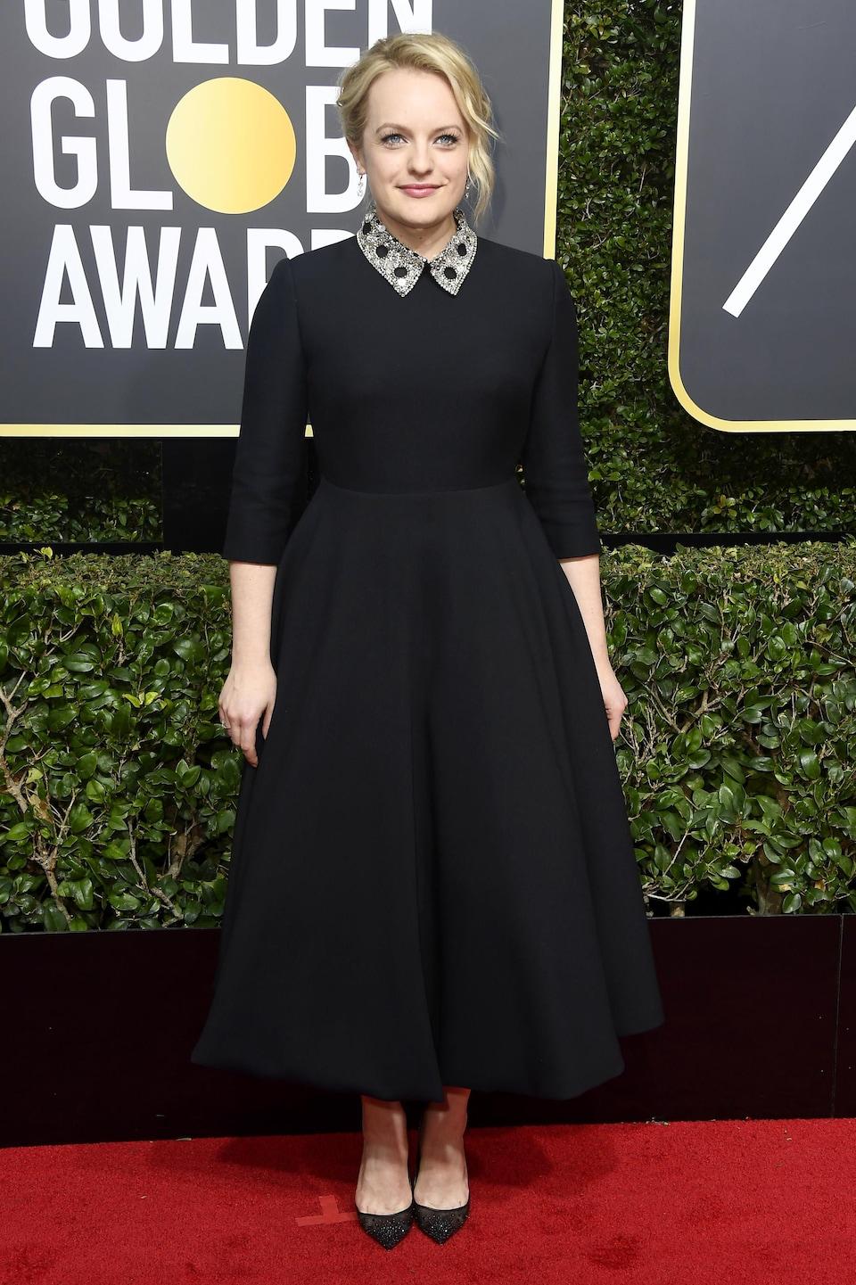 L'actrice Elizabeth Moss sur le tapis rouge des Golden Globes, le 7 janvier 208