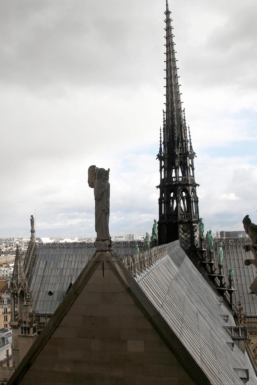 Paris Lance Un Concours International Pour Remplacer La Flèche De