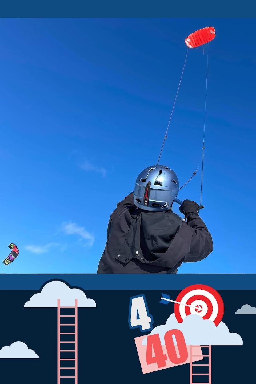 Nicole pratique le kite sur neige.
