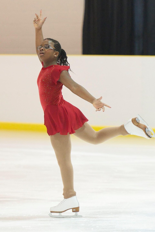 Naza Grant en train de patiner.