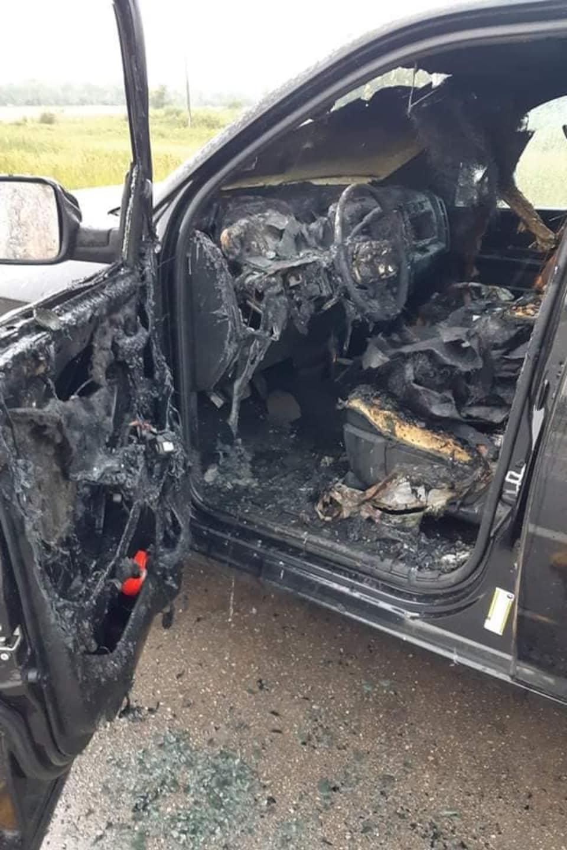 L'intérieur de la voiture fondu