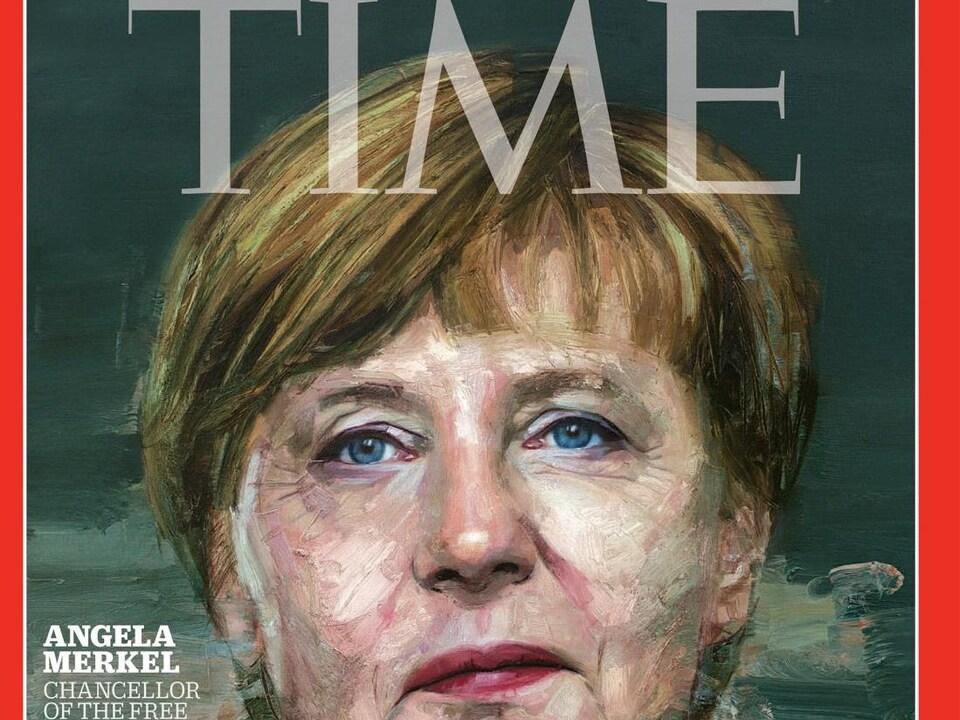 La une du magazine avec un portrait d'Angela Merkel.