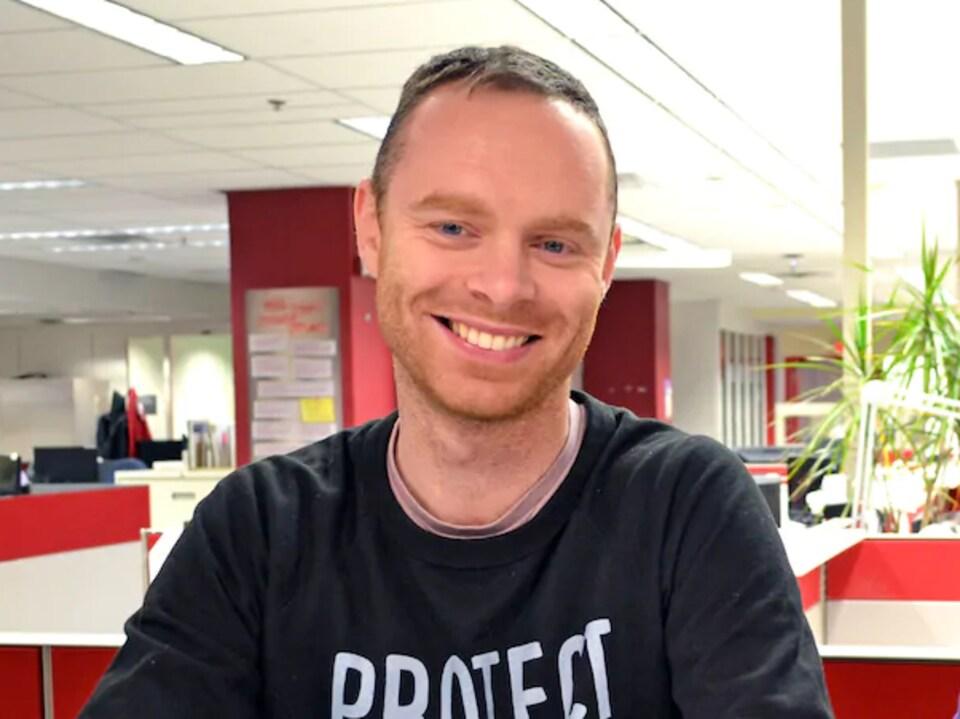 Antoine Beaudoin Gentes dans les bureaux montréalais de CBC.