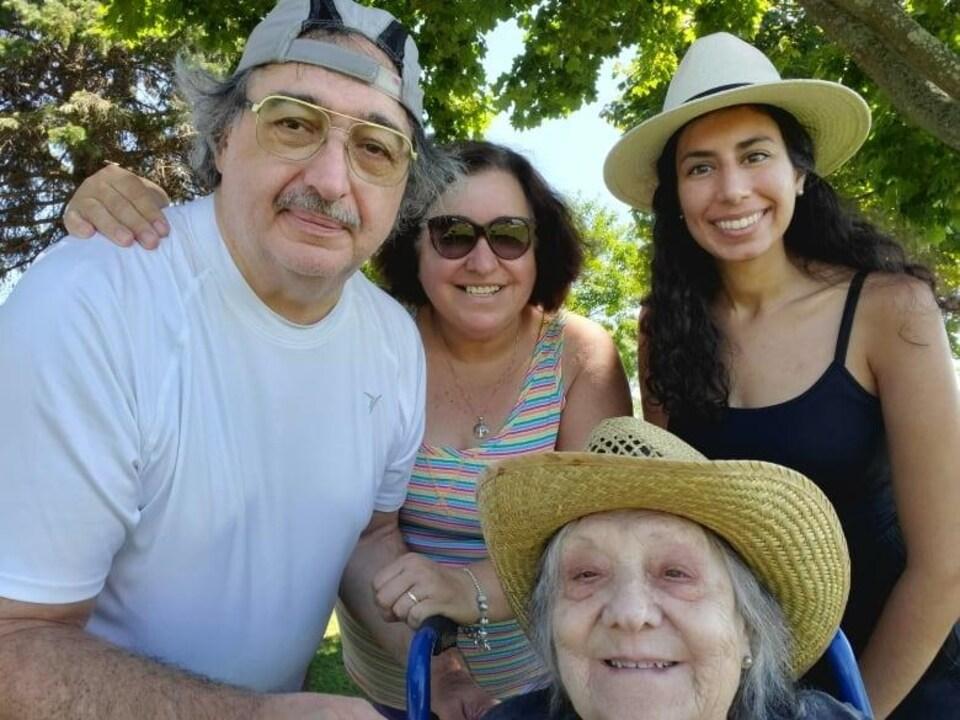 La famille d'Antonietta Pollice.