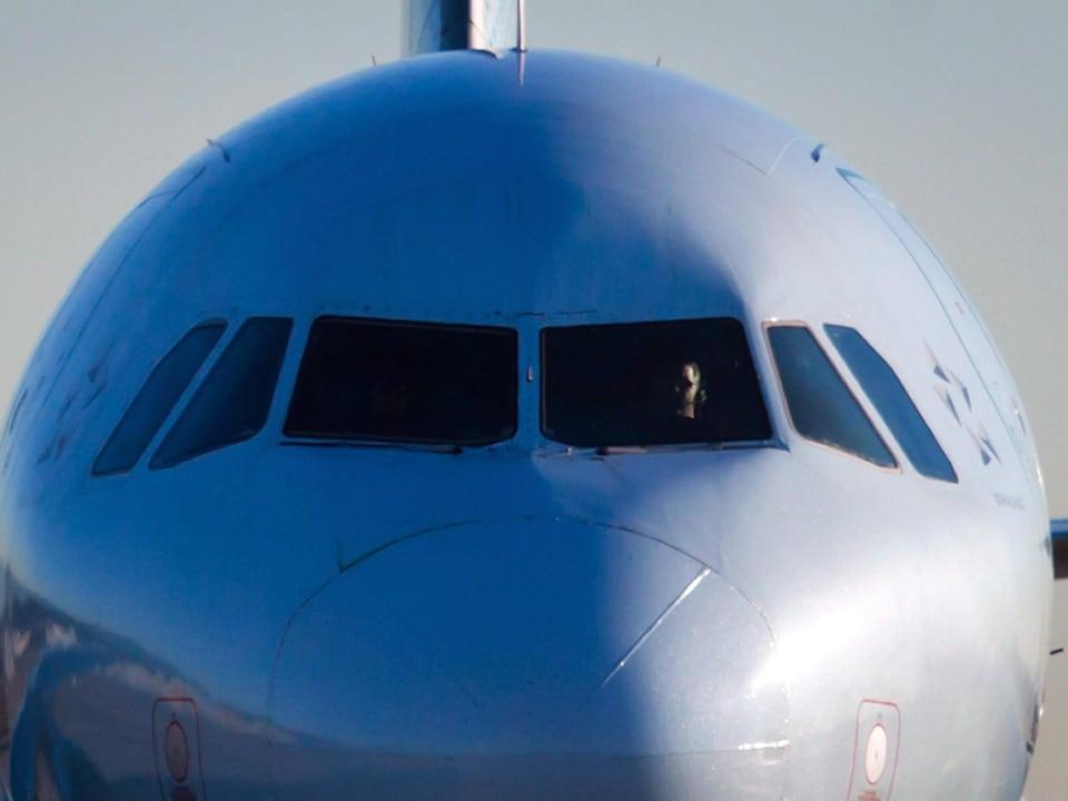 Un pilote à bord d'un Airbus A320-200 d'Air Canada