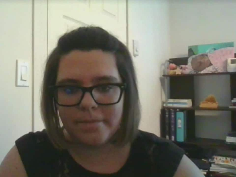 Léthyscia Caron lors d'une entrevue menée sur la plateforme Messenger.