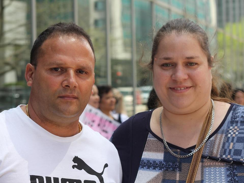 Yoel Diaz Casas et Hélène Tardif dans les rues à Montréal