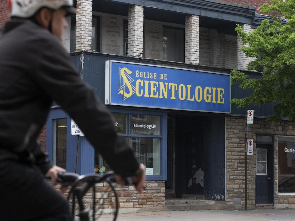 Façade de l'Église de scientologie de Montréal.